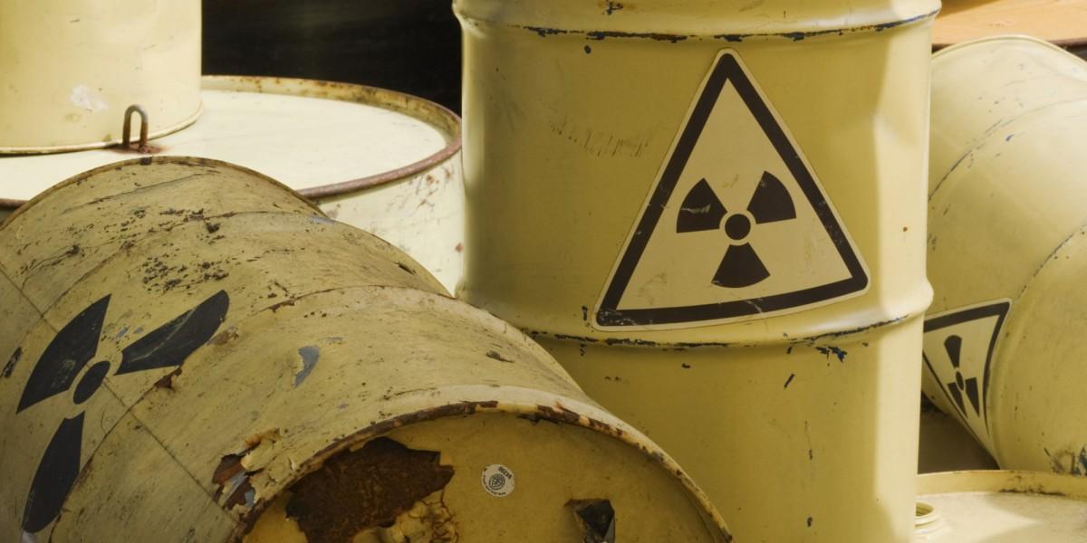 Nicole et le collectif contre l'ordre atomique nous ont parlé de l'arrêt immédiat du nucléaire