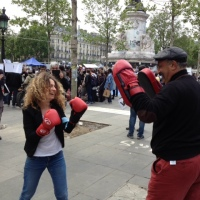 Issa nous a fait une démonstration de boxe