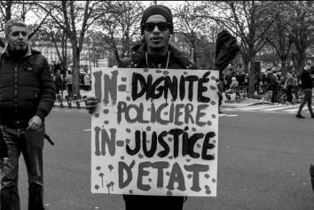 crédit photo : Francis Azevedo. http://www.francisazevedo.com/fr/portfolio-64162-0-40-marche-pour-la-justice-et-la-.html